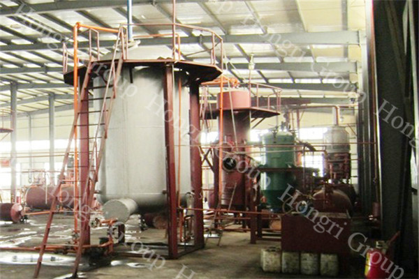 Puyang, China 30TPD Waste Engine Oil Distillate Plant Making Engine Oil And Diesel